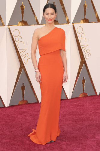 hbz-the-list-best-dressed-oscars-2016-olivia-munn.