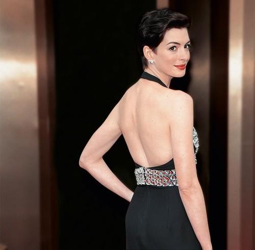 61.ª Anne Hathaway