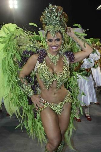 Viviane Araújo 5