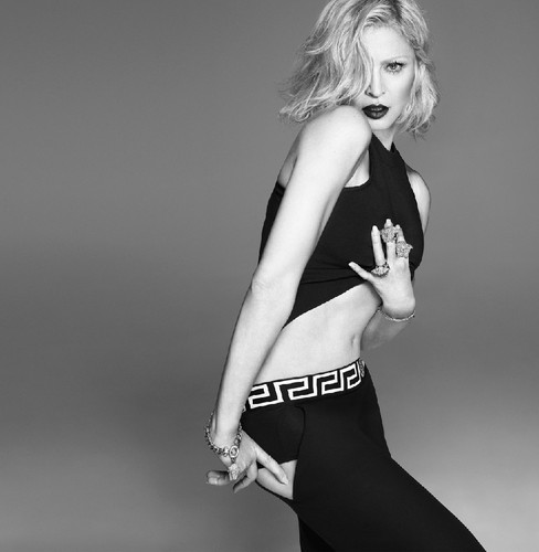 Versace-womanswear-SS15-Campaign_01.jpg