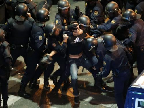 A manifestação no Facebook.... sinais de guerra em Madrid 2