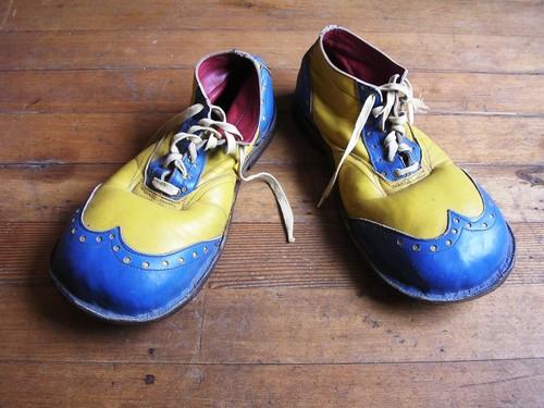 sapatos palhaço.jpg