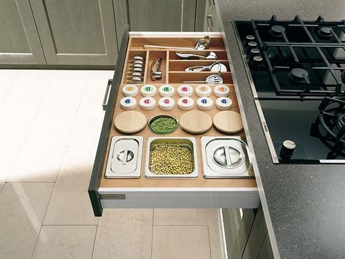 Kitchen-Spices-at-Practical-Organization-in-the-Ki