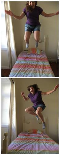 Saltar na cama.jpg