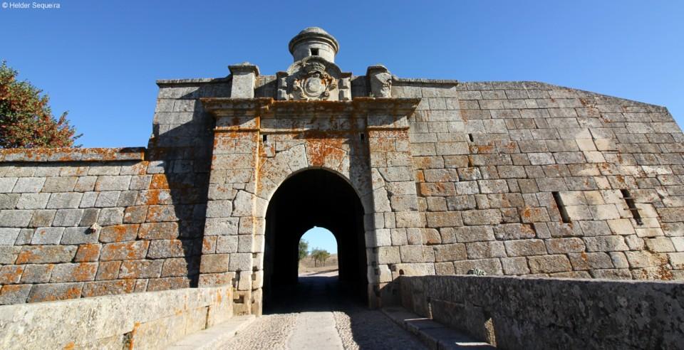 ALMEIDA - fortaleza - Helder Sequeira.jpg