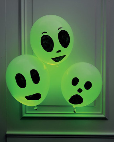 DIY-Halloween-Balloon-Crafts-4.jpg