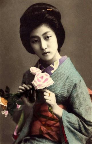 Geisha-HAWARYU-A-Meiji-era-Beauty-from-OLD-JAPAN-4
