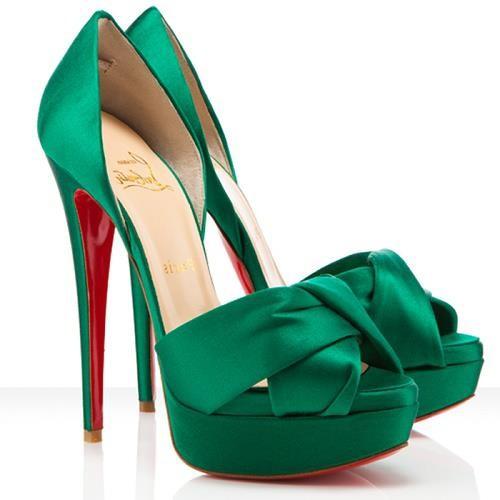 Verde Esmeralda cor do ano 2013