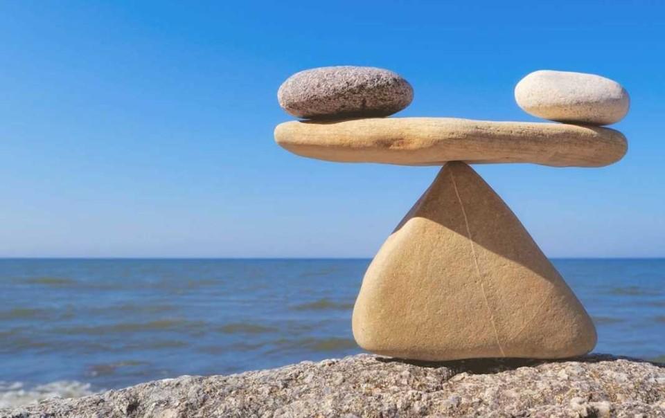 PedrasEquilibrio2.jpg