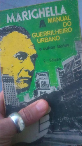 manual guerrilheiro urbano.jpg