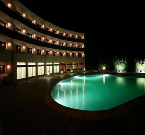 Hotel Meia Lua 01.jpg