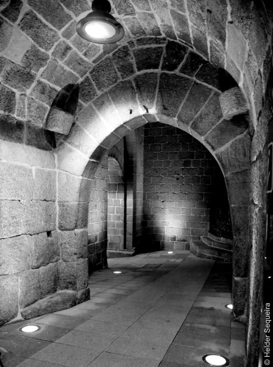Torre dos Ferreiros - porta - 1 - HS.jpg