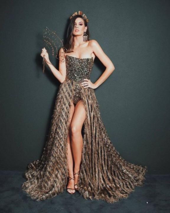 Camila Queiroz 54.jpg