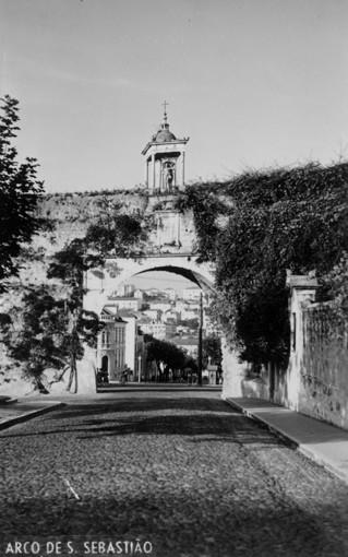 Aqueduto. Arco de S. Sebastião.JPG