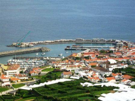 Porto_e_Marina_de_Vila_Franca_do_Campo,_ilha_de_S