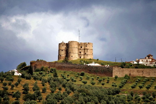 Castelo-de-Evoramonte.jpg