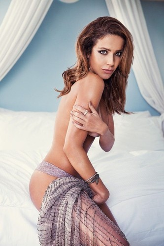 Renata Dominguez 8