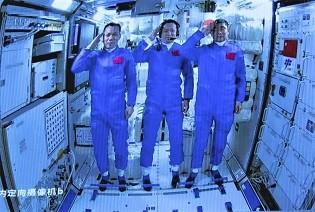 chinese-crew-enters-ne.jpg