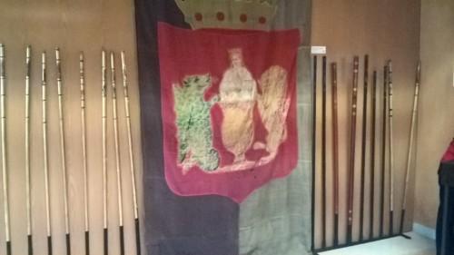 Estandarte e varas da Câmara de Coimbra.jpeg