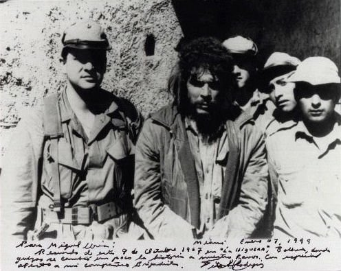 Che Guevara-prisioneiro.jpg