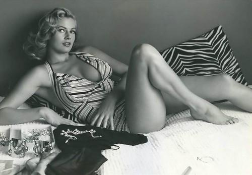 Anita Ekberg (2).jpg