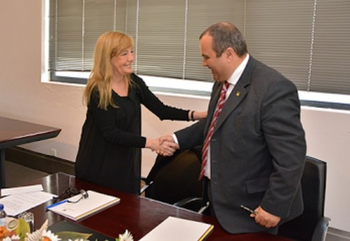 MinistraJustiça+PresidenteCamaraCadaval.jpg