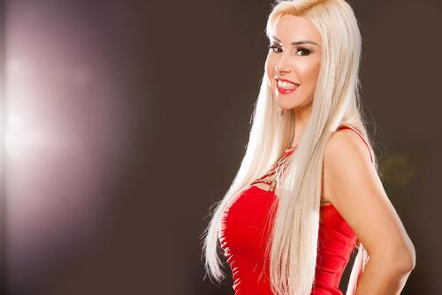 Patricia Ribeiro cantora trans.jpg
