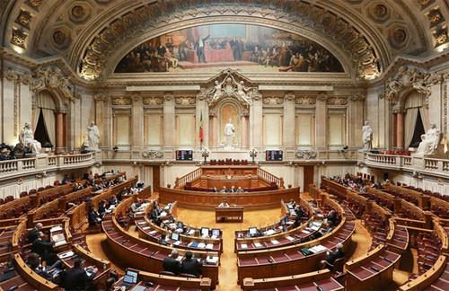 parlamento2.jpg
