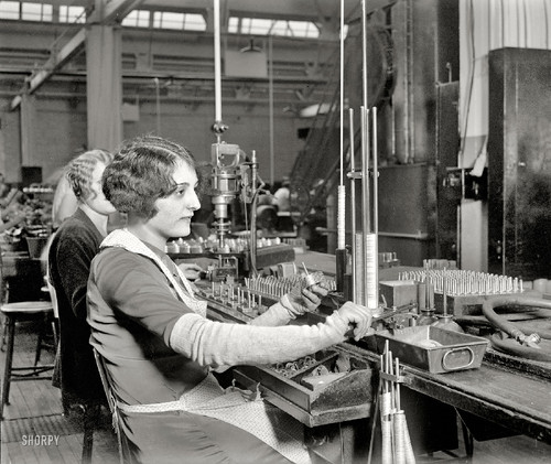 Philadelphia, Pennsylvania, circa 1928. Assembling