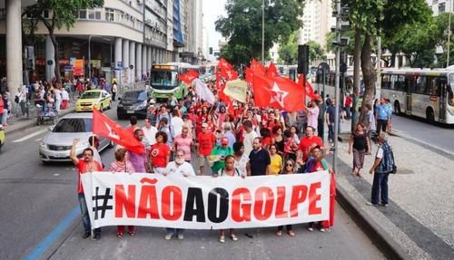 1 NAO AO GOLPE.jpg
