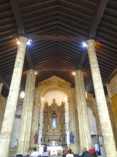Igreja de S. Tiago. Interior 01.jpg