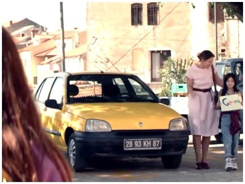 Renault Clio Lesbian Love.png.jpg