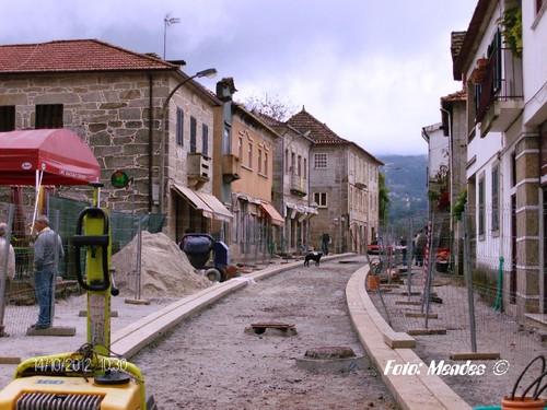 Cerva - Praça em Obras