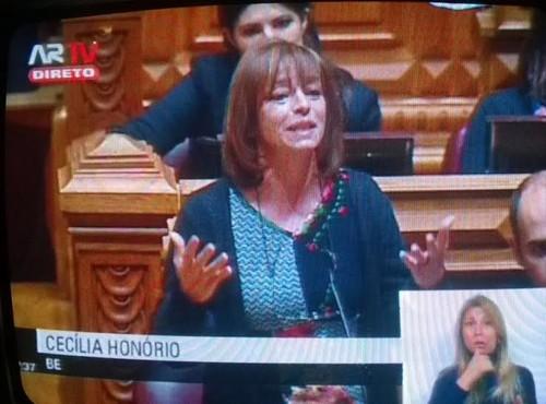 Cecília Honório BE  adopção gay parlamento.jpg
