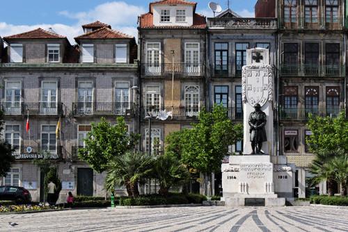 Porto Praca_de_Carlos_Alberto.jpg
