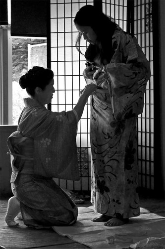 kimono dressing2.jpg
