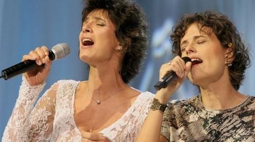 Zelia Duncan e Simone.jpg