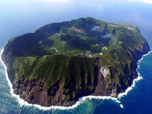 Aogashima.jpg