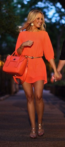 vestido laranja para sair ousado.jpg