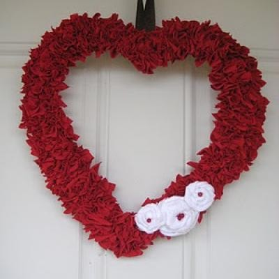 repurposed-valentines-wreath-valentine-decoration.