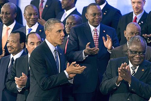 obama quenia .jpg