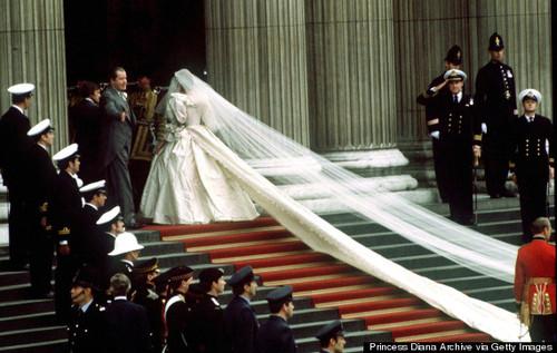 o-PRINCESS-DIANA-WEDDING-DRESS-570 (1).jpg