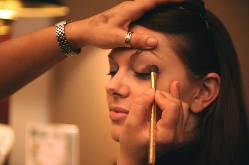 makeup-677200_640.jpg