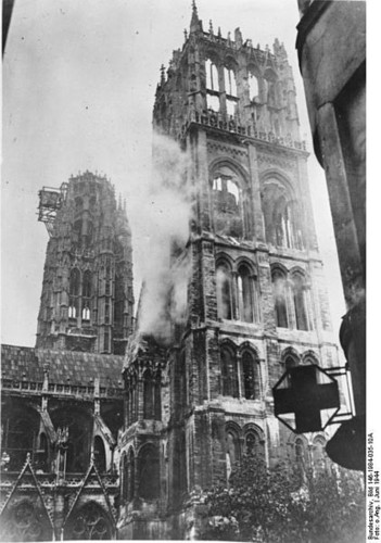 Rouen catedral 1944.jpg
