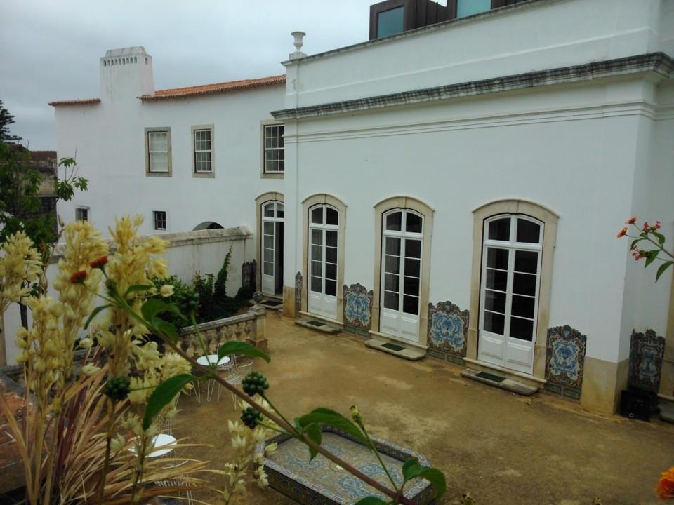 Casa da Escrita. Jardim interior.jpg