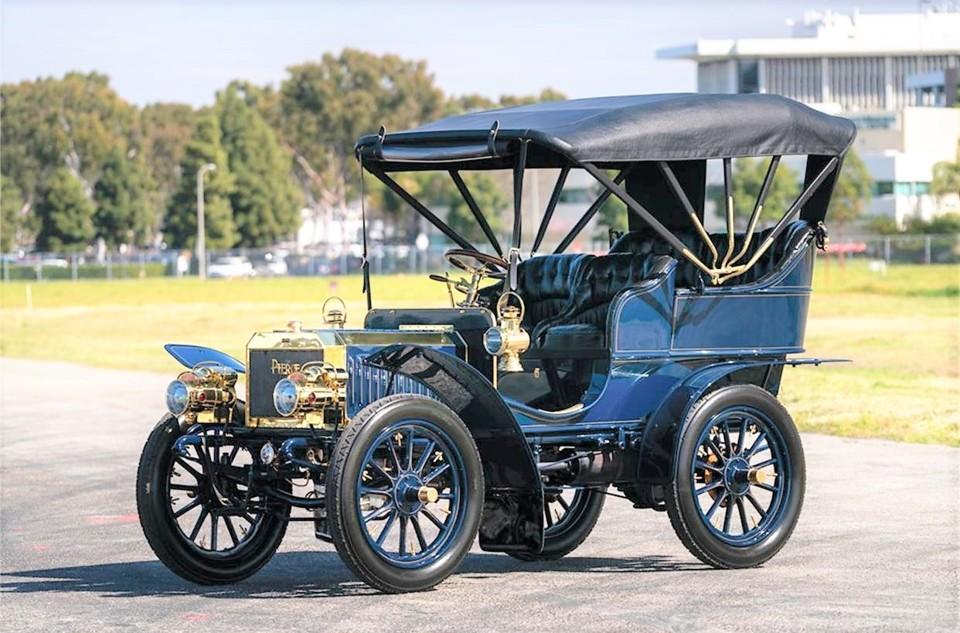 18238060-1904-pierce-arrow-automobile-std.jpg