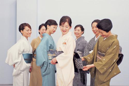 kimono dressing3.jpg