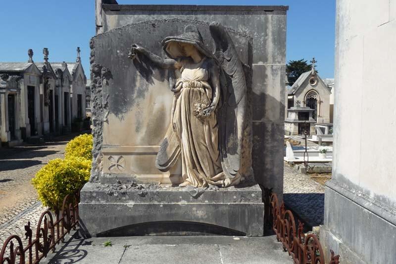 Cemitério da Conchada jazigo 2.JPG