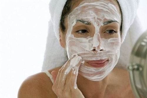 703423-Máscara-de-pepino-para-o-rosto-4.jpg