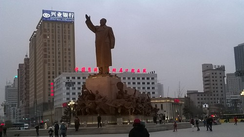 estatua_mao1